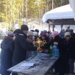 Благочинный Северодвинского округа иерей Сергий Ермаков после водосвятия в часовне на истоке ручья Талец