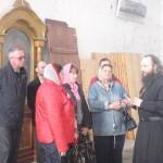 Экскурсию проводит иерей Александр Шестаков