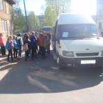 Посадка в автобусы у школы