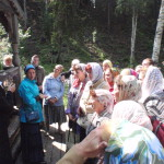 С участием сурдопереводчика Жанны Аверинской члены Северодвинской городской общественной организации инвалидов с потерей слуха узнали больше об истории урочища