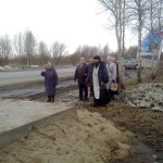 Молебен у Поклонного Креста на въезде в Северодвинск в Крестопоклонную седмицу, 2015 год